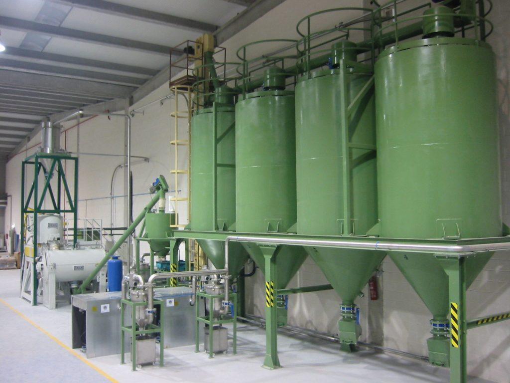 Instalación para la fabricación de tubos de plástico